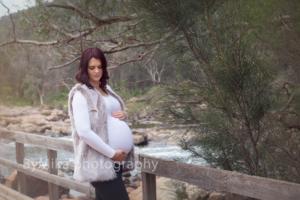 ByMika photography Maternity photographer Perth_Simone